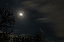 Mond u Wolken