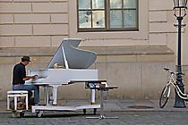Dresden Straßenpianist